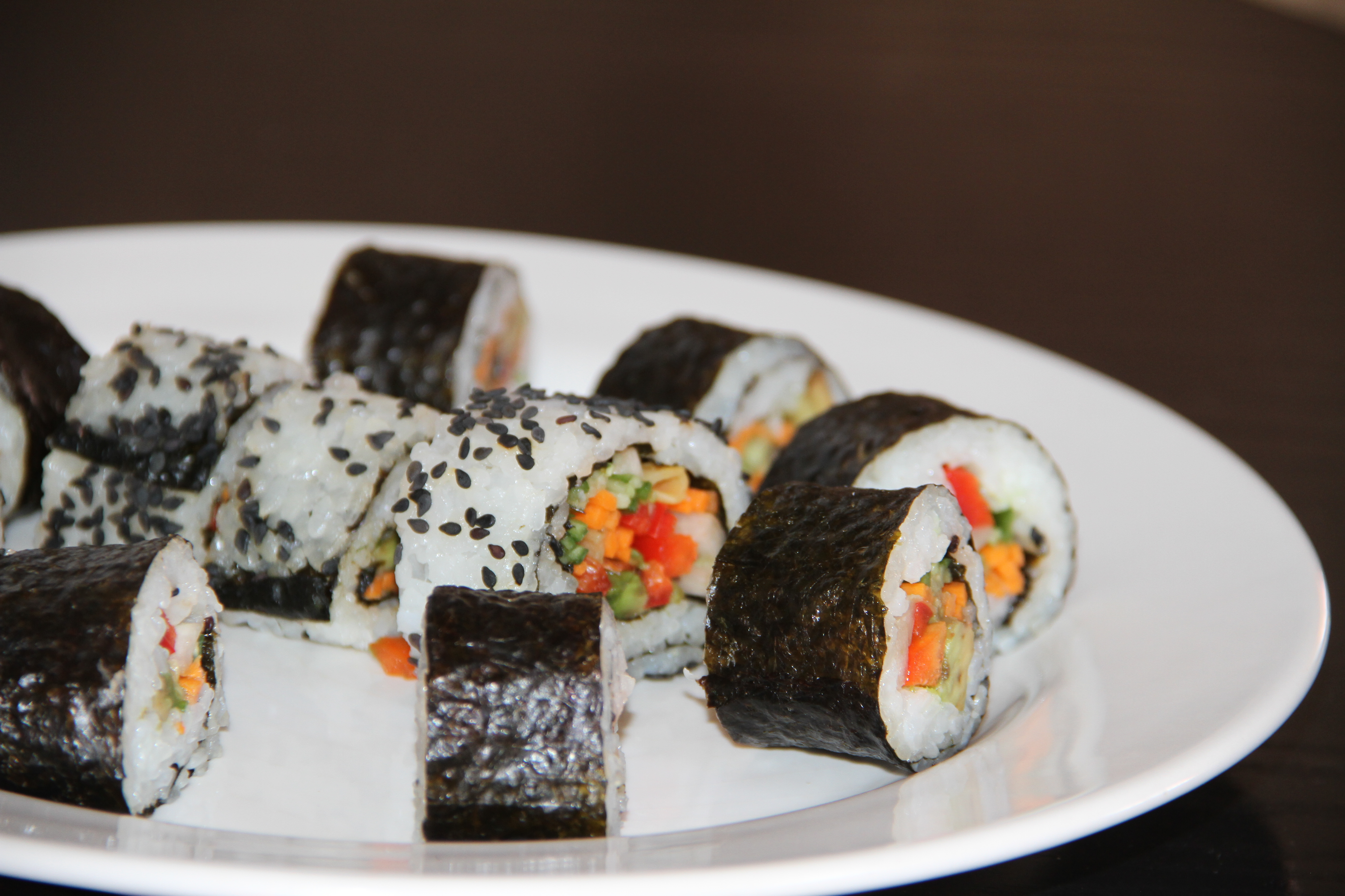 Cum se prepara sushi in casa – reteta maki vegetarian