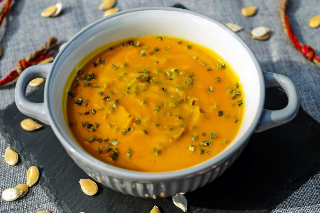 Supa crema de morcov, dovleac & ghimbir pentru imunitate